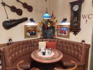 Nickis Restaurant, Cafe , Fritz Semper, Gmünd